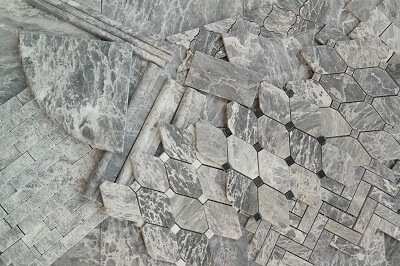 white-grey-marble-tile