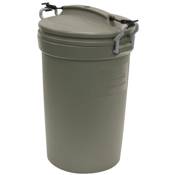 Rubbermaid 32 Gallon Animal Stopper Trash Can