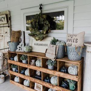 100 Farmhouse Decor Ideas - Easy Home Concepts #farmhouse #farmhousedecor
